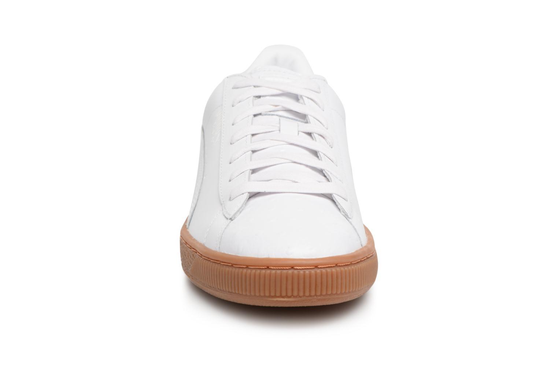 Baskets Puma BASKET CLASSIC OR Blanc vue portées chaussures