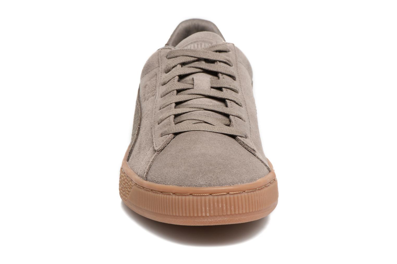 Baskets Puma SUEDE C ORGANIC WARM Marron vue portées chaussures