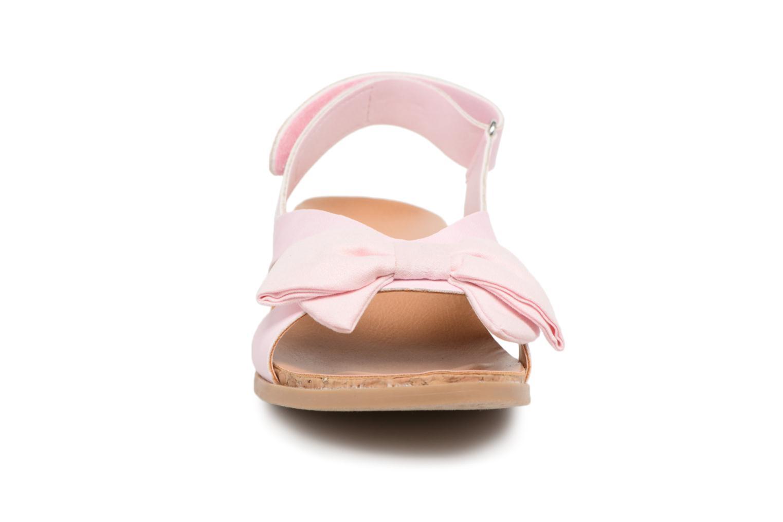 Sandales et nu-pieds UGG Fonda Rose vue portées chaussures