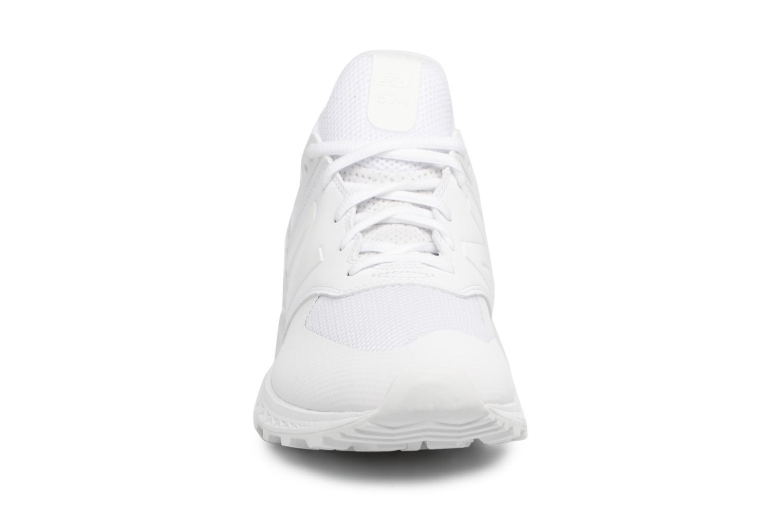 Baskets New Balance MS574 D Blanc vue portées chaussures