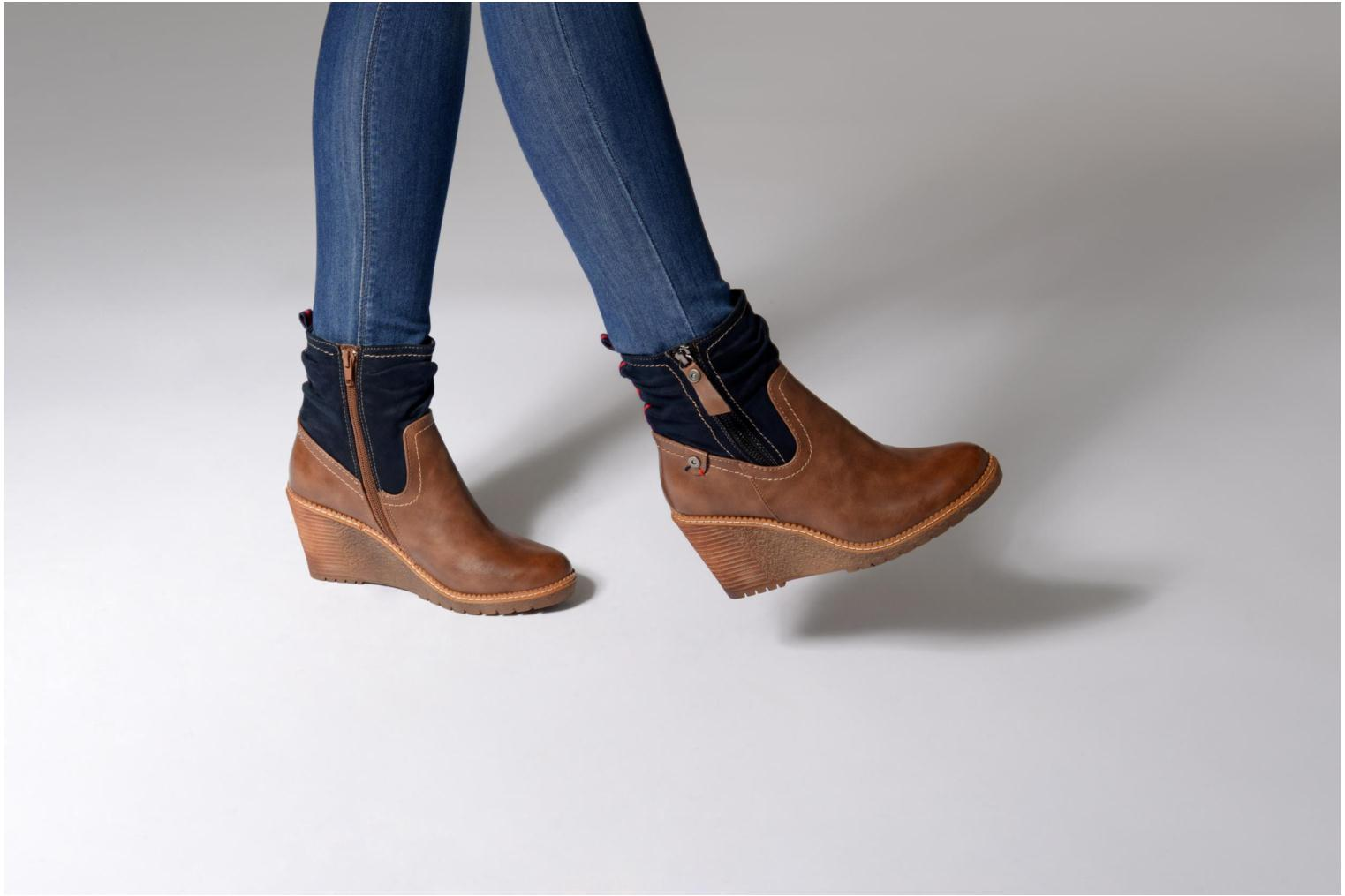 Ankle boots Refresh 63995 Brown view from underneath / model view