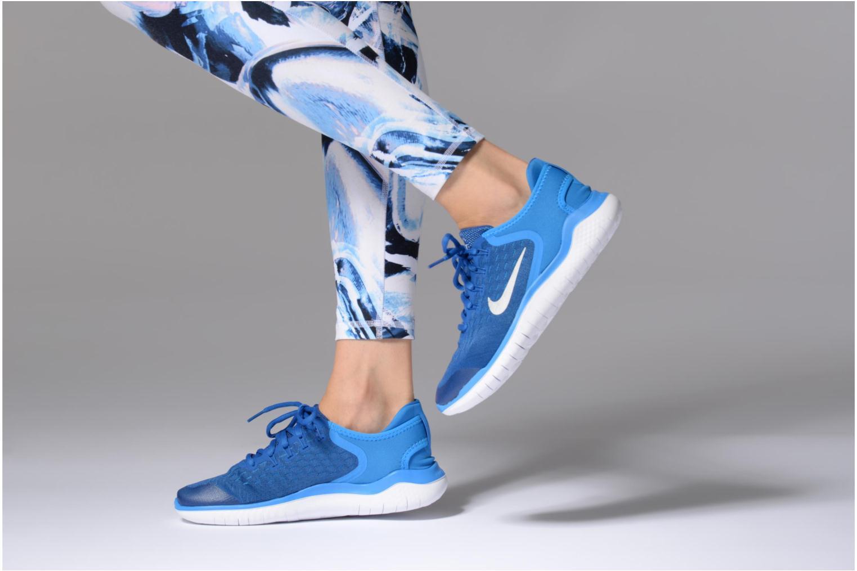 Chaussures de sport Nike Nike Free Rn 2018 (Gs) Bleu vue bas / vue portée sac