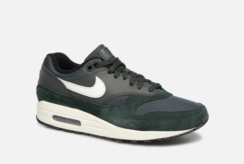 buy online 7f0b4 69ec7 Nike Nike Air Max 1