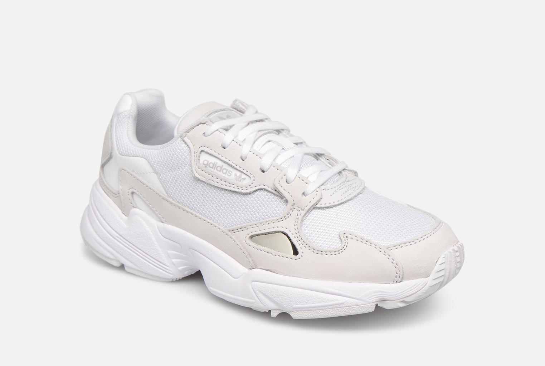 sports shoes 05d36 ac6fc adidas Originals Falcon W
