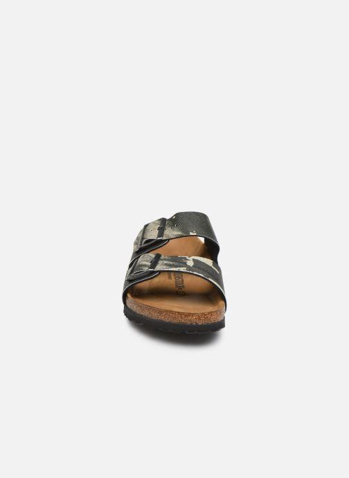Sandales et nu-pieds Birkenstock Arizona Gris vue portées chaussures