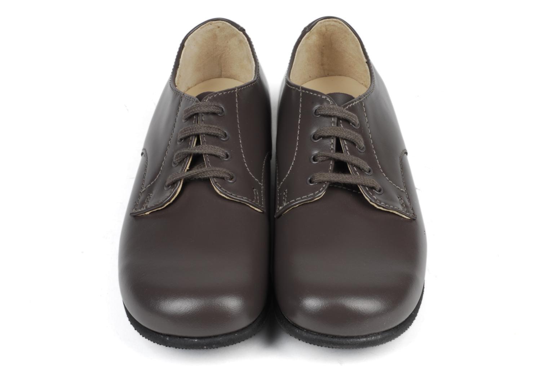 Chaussures à lacets Start Rite John Rouge vue bas / vue portée sac