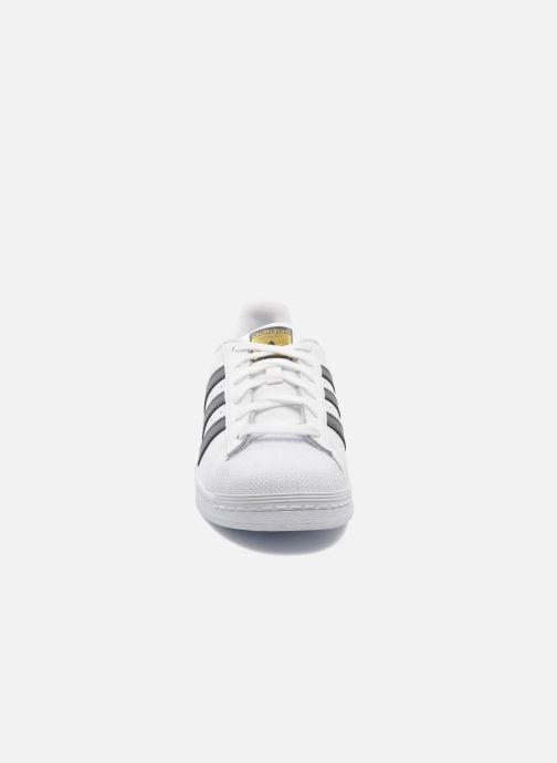 Sneaker adidas originals Superstar weiß schuhe getragen