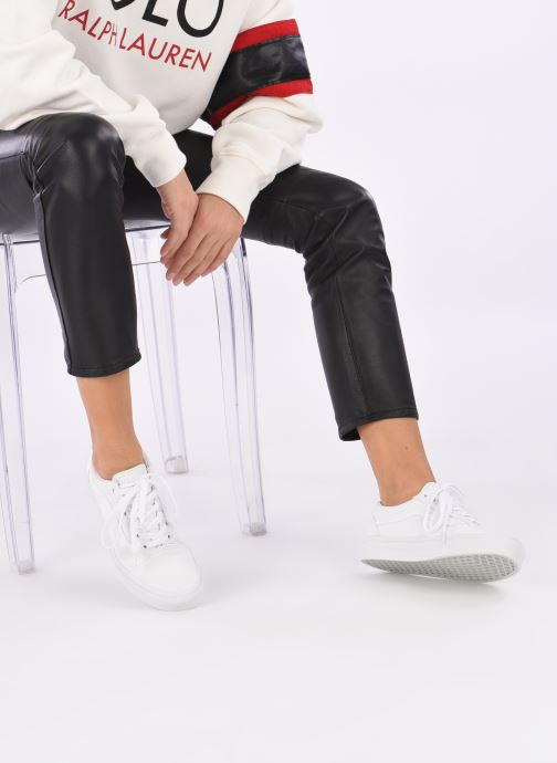 Sneaker Vans Old Skool W weiß ansicht von unten / tasche getragen
