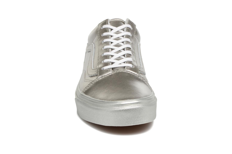 Sneaker Vans Old Skool W silber schuhe getragen