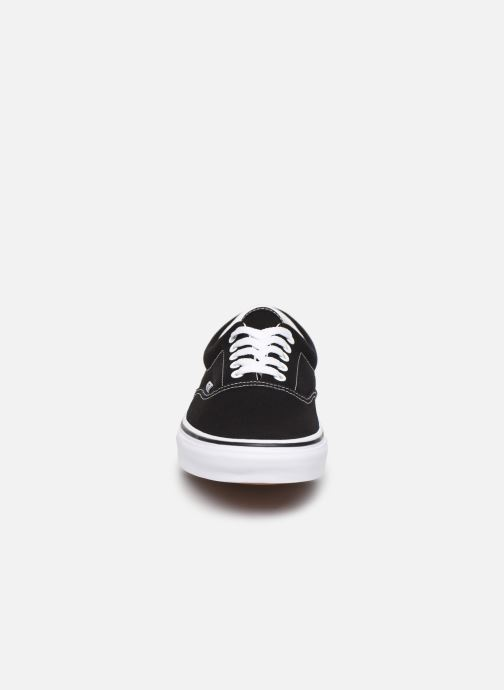 Sneakers Vans Era M Nero modello indossato