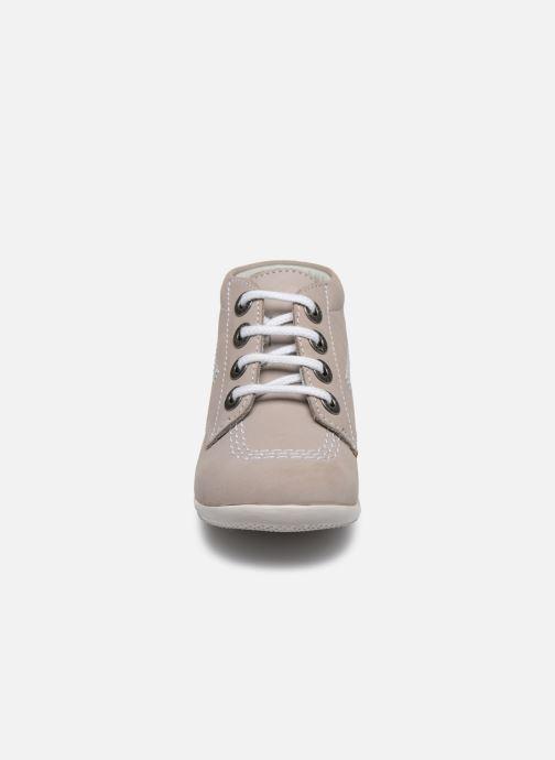 Zapatos con cordones Kickers BILLY B Gris vista del modelo