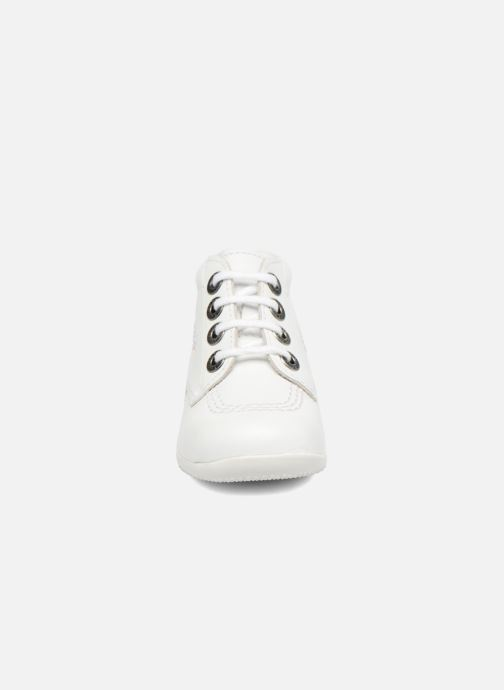 Chaussures à lacets Kickers BILLY B Blanc vue portées chaussures