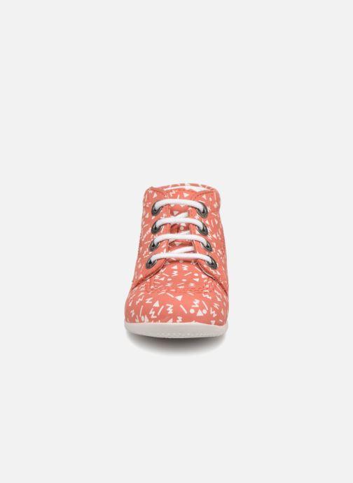 Scarpe con lacci Kickers BILLY B Rosa modello indossato