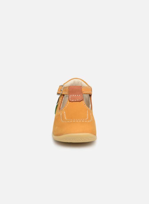 Bottines d'été Kickers Bonbek Jaune vue portées chaussures