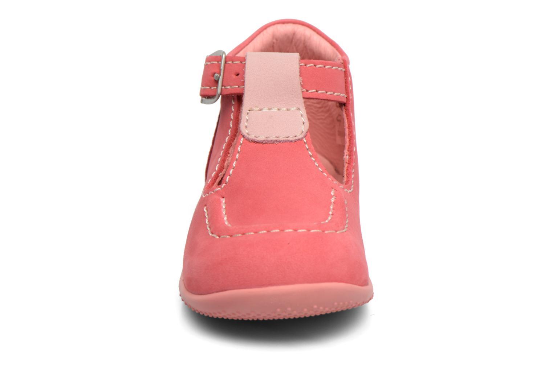 Sommersko Kickers Bonbek Pink se skoene på