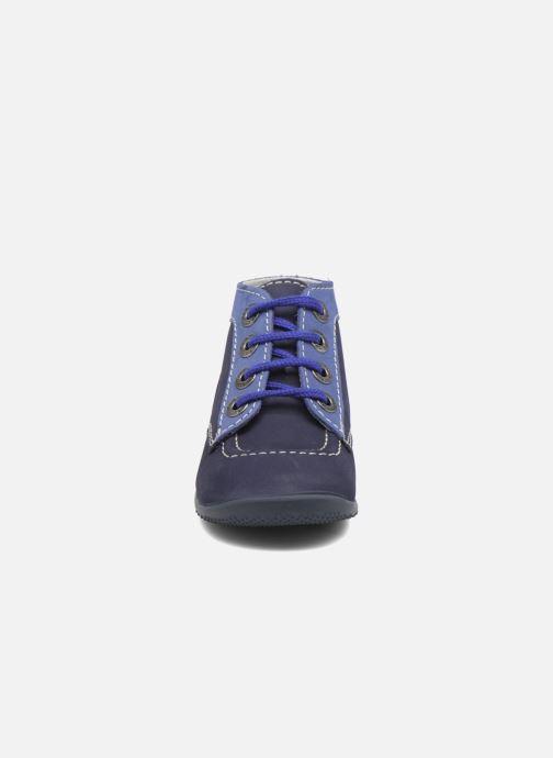 Stivaletti e tronchetti Kickers Bonbon Azzurro modello indossato