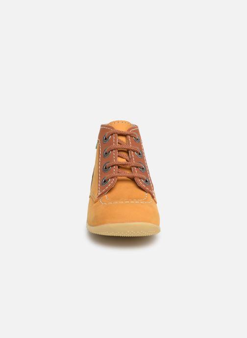 Bottines et boots Kickers Bonbon Jaune vue portées chaussures