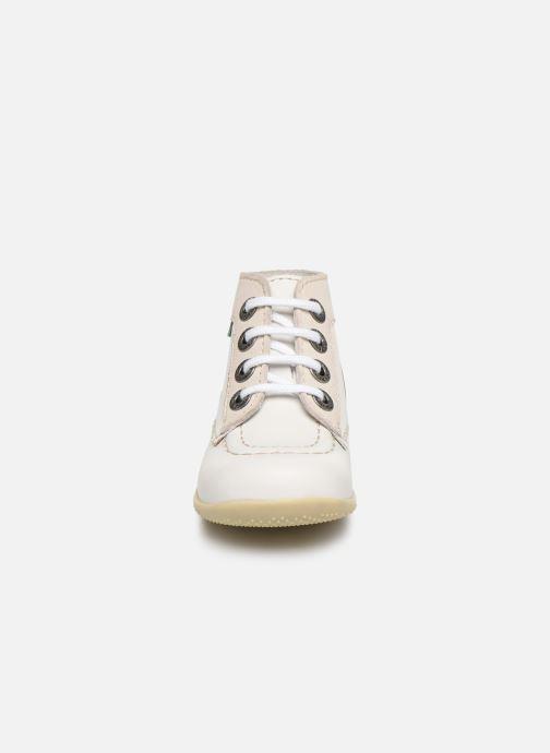 Stivaletti e tronchetti Kickers Bonbon Bianco modello indossato