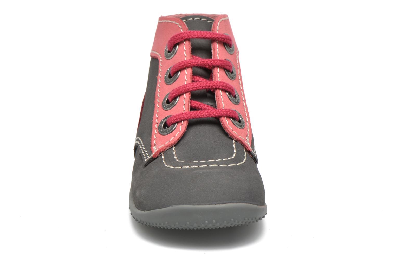 Boots Kickers Bonbon Grå bild av skorna på