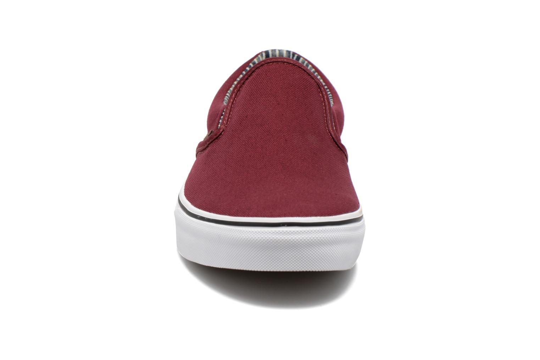 Baskets Vans Classic Slip-on Bordeaux vue portées chaussures