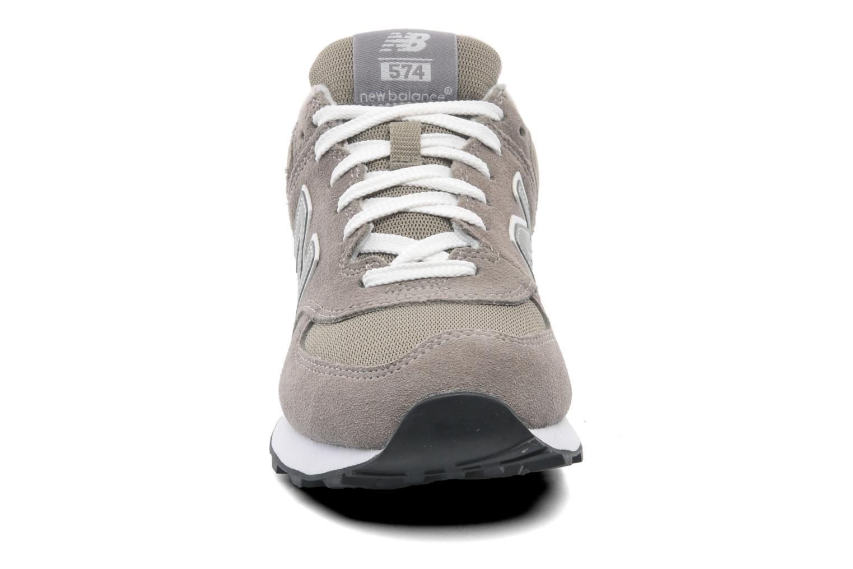 Baskets New Balance M574 Gris vue portées chaussures