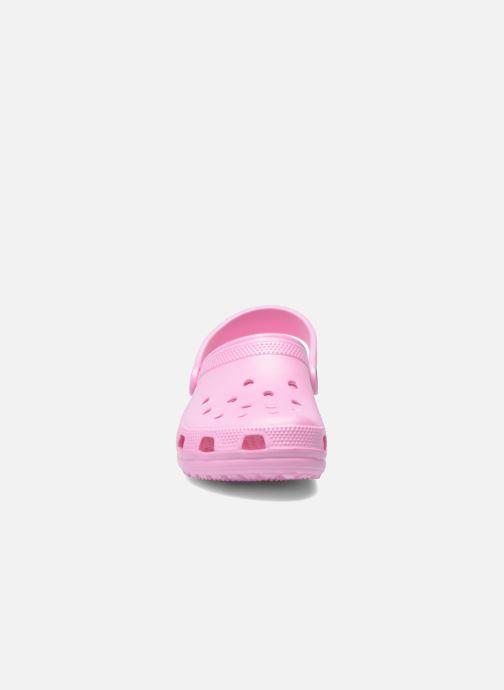 Sandali e scarpe aperte Crocs Kids Cayman Rosa modello indossato