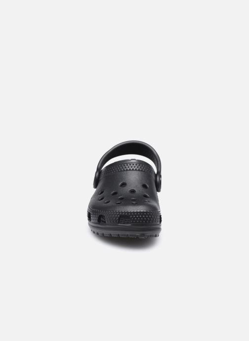Sandales et nu-pieds Crocs Classic Kids Noir vue portées chaussures