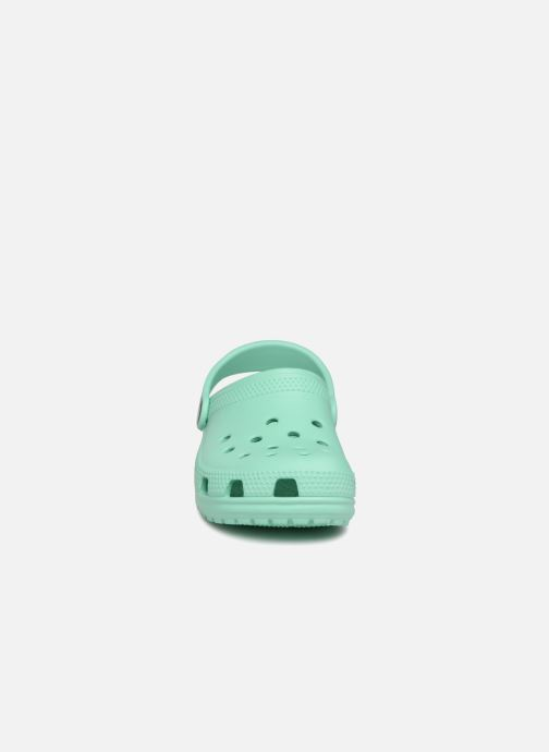 Sandales et nu-pieds Crocs Classic Kids Vert vue portées chaussures