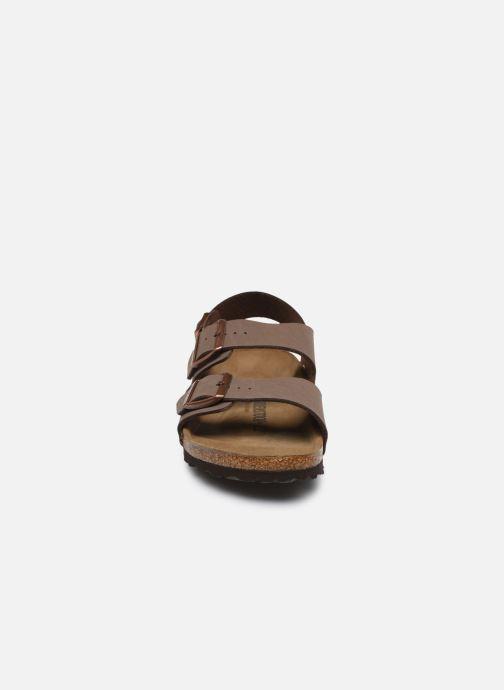 Sandali e scarpe aperte Birkenstock Milano Flor M Marrone modello indossato