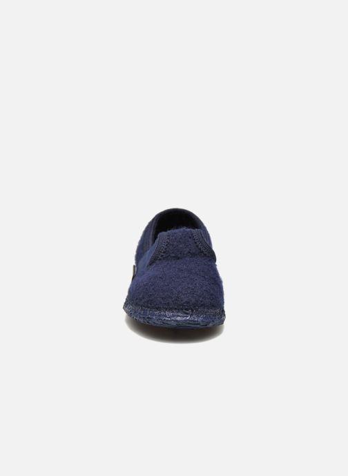 Pantofole Giesswein Türnberg Azzurro modello indossato