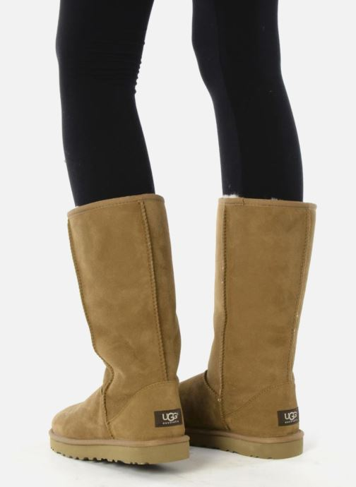 Ankle boots UGG Classic Tall Beige view from underneath / model view