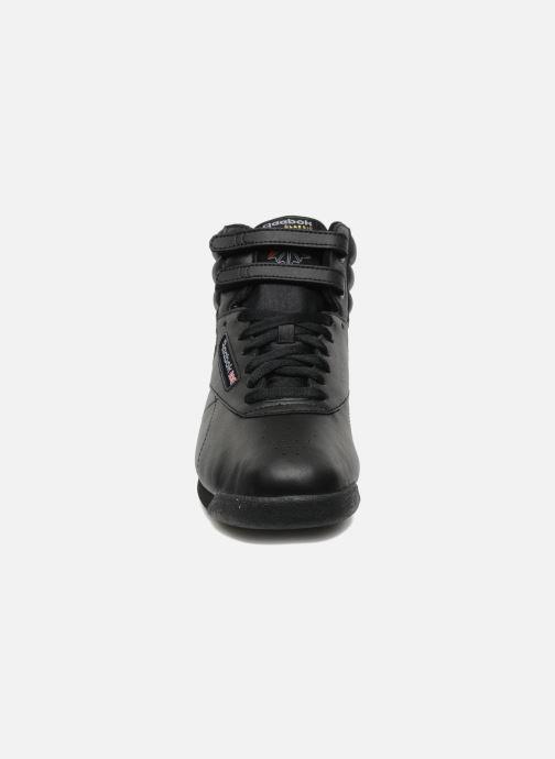 Sneaker Reebok Freestyle Hi schwarz schuhe getragen