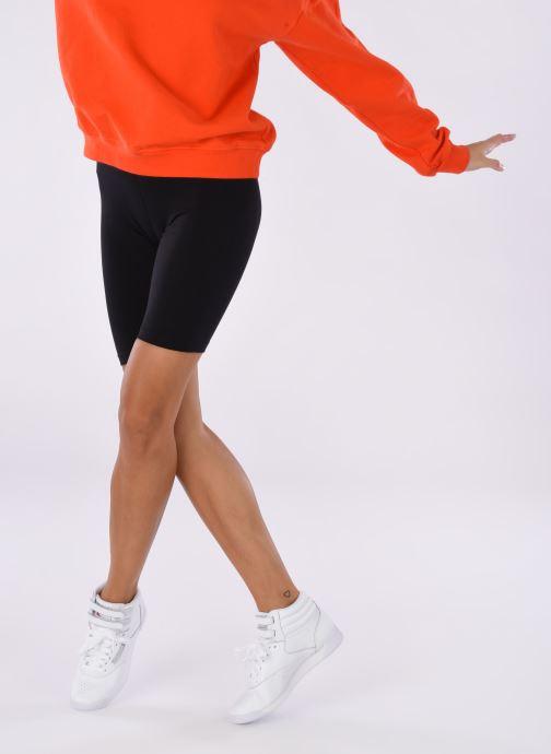 Sneaker Reebok Freestyle Hi weiß ansicht von unten / tasche getragen
