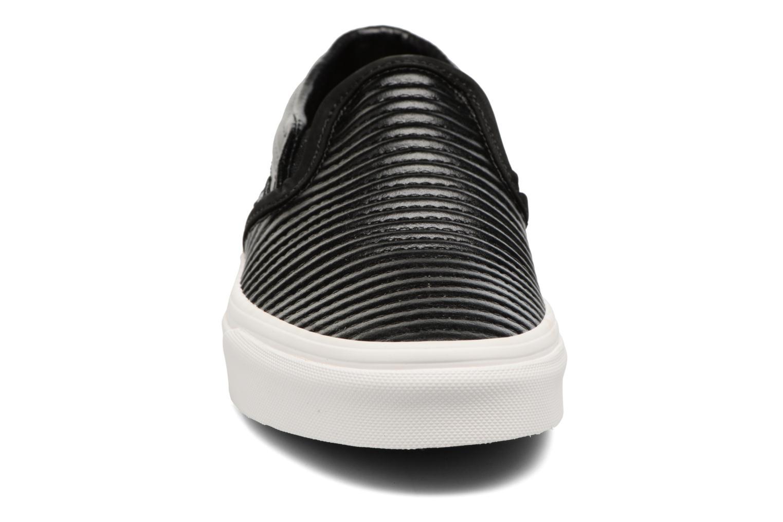 Baskets Vans Classic Slip On W Noir vue portées chaussures