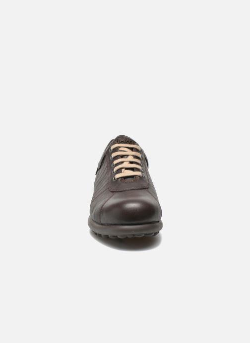 Sneakers Camper Pelotas Ariel 16002 Marrone modello indossato