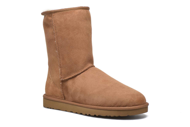 Bottines et boots UGG Classic Short Marron vue détail/paire