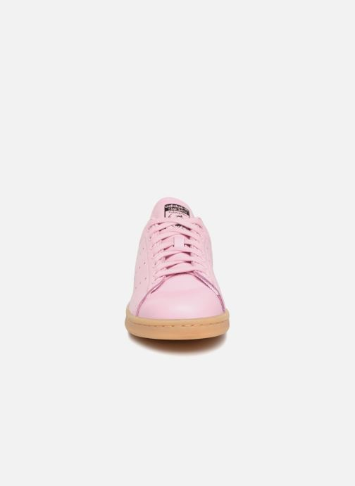 Baskets adidas originals Stan Smith Rose vue portées chaussures
