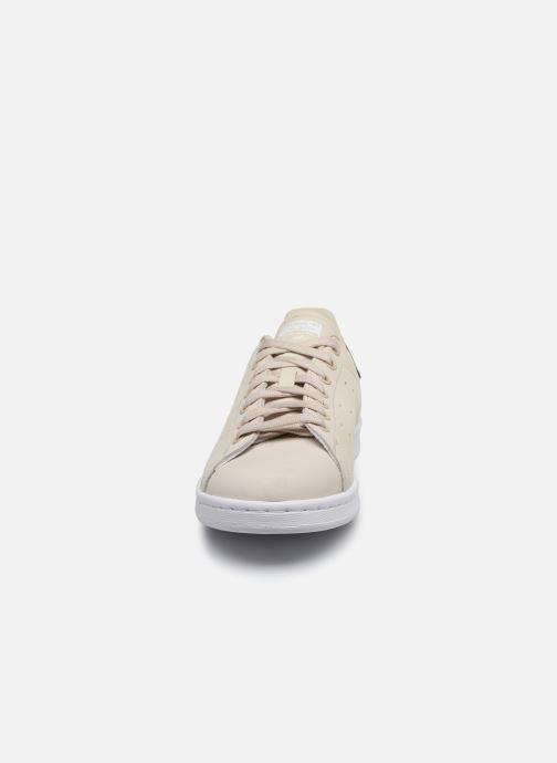 Baskets adidas originals Stan Smith Beige vue portées chaussures