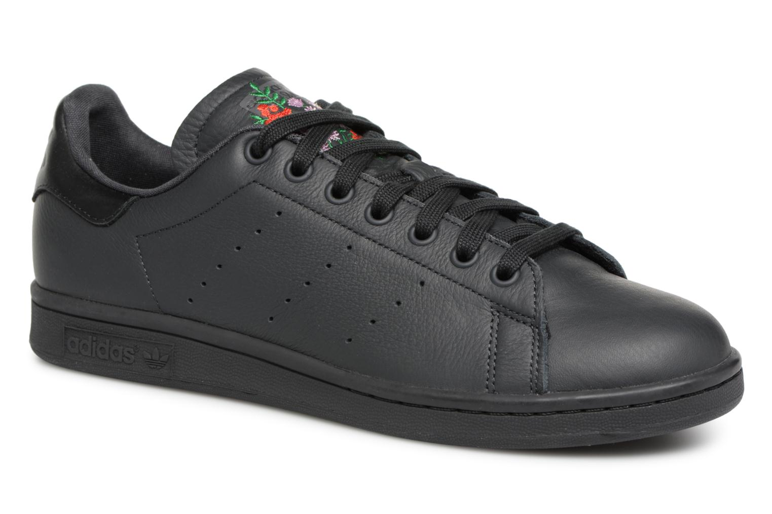 Baskets Adidas Originals Stan Smith Noir vue détail/paire