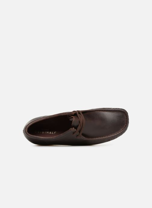 Veterschoenen Clarks Originals Wallabee Bruin links