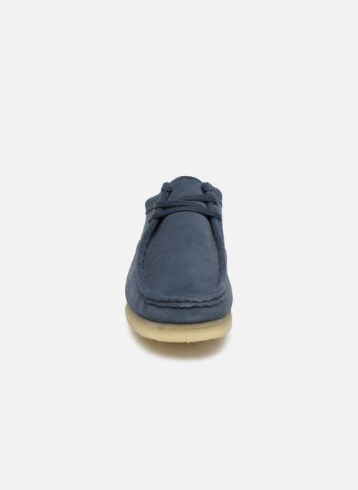 Schnürschuhe Clarks Originals Wallabee blau schuhe getragen