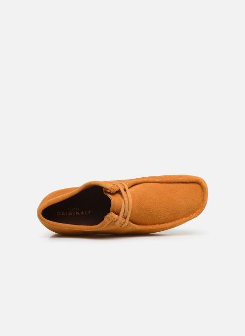 Zapatos con cordones Clarks Originals Wallabee Amarillo vista lateral izquierda