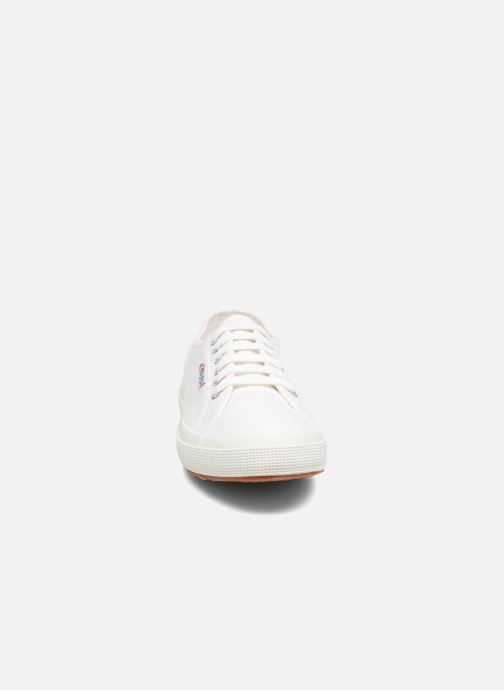 Sneakers Superga 2750 Cotu M Bianco modello indossato