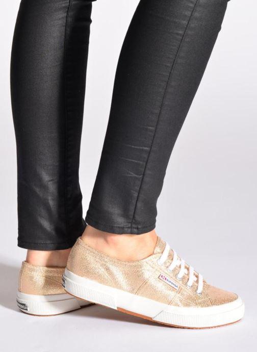 Sneaker Superga 2750 Lame W grau ansicht von unten / tasche getragen