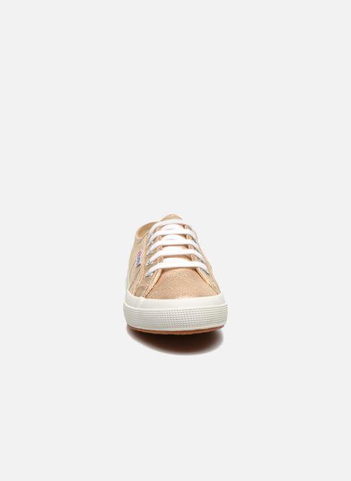 Baskets Superga 2750 Lame W Or et bronze vue portées chaussures