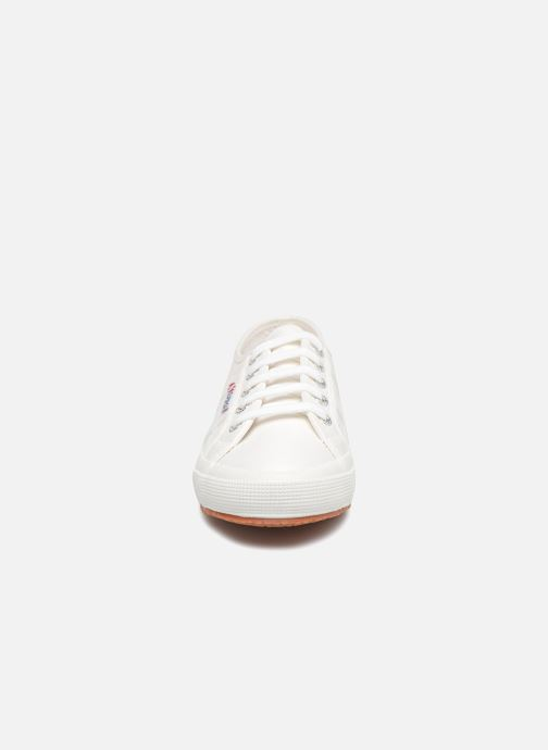 Baskets Superga 2750 Lame W Blanc vue portées chaussures
