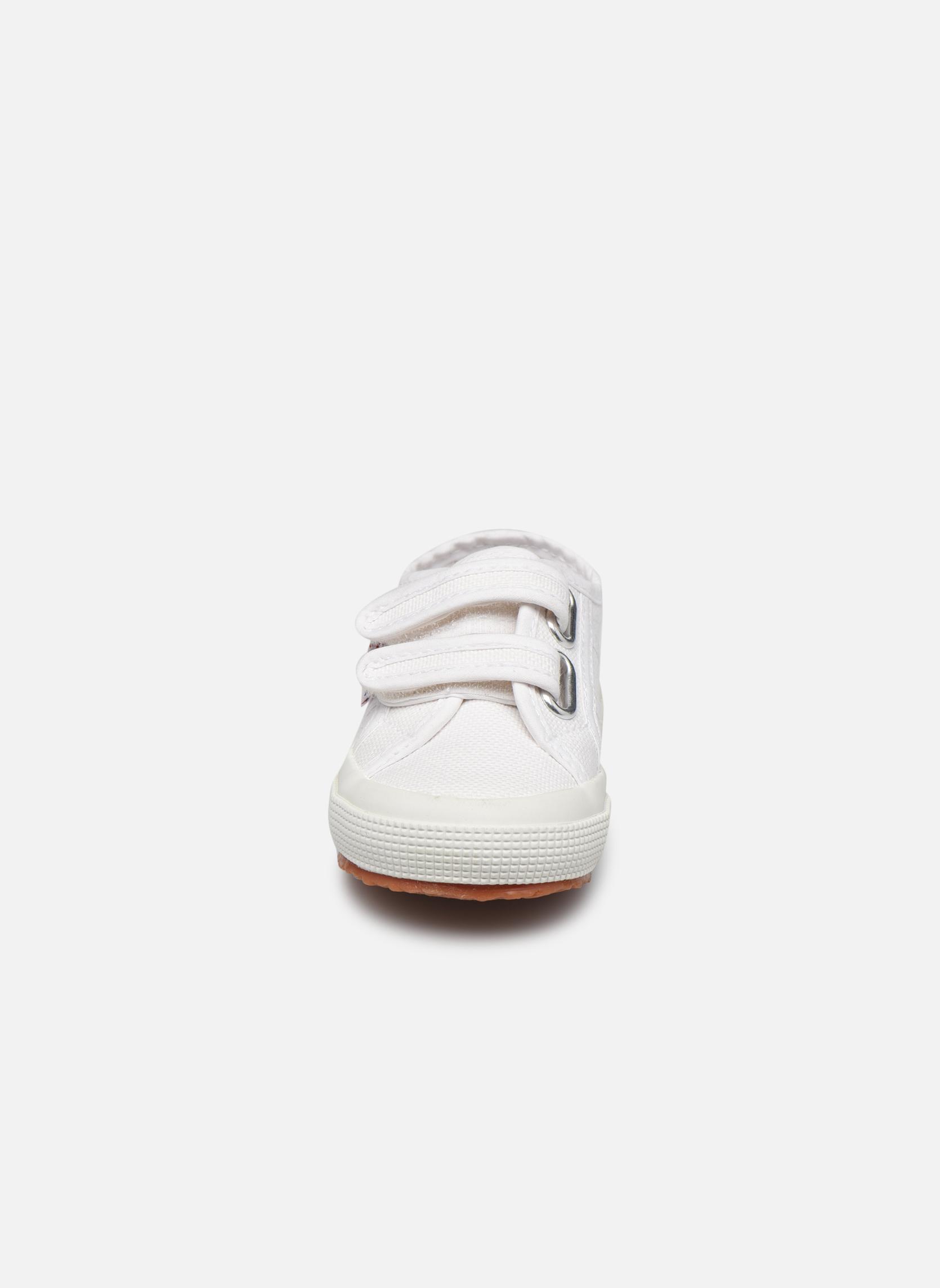 Baskets Superga 2750 J Velcro E Blanc vue portées chaussures