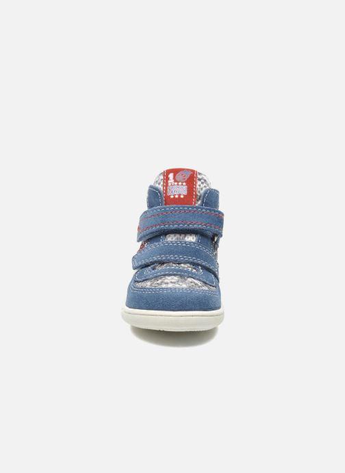 Sneakers Primigi Allen Azzurro modello indossato