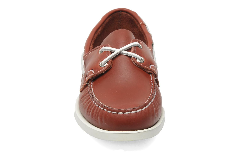 Snörade skor Sebago Docksides M Röd bild av skorna på
