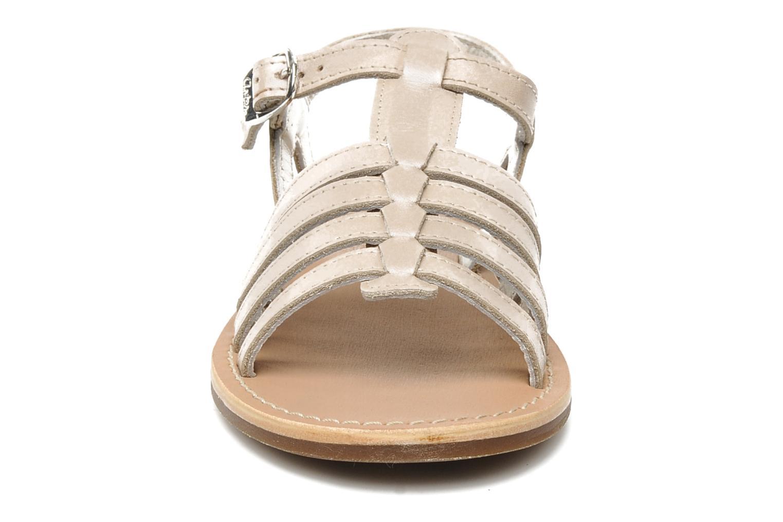 Sandalen Aster Vibride beige schuhe getragen